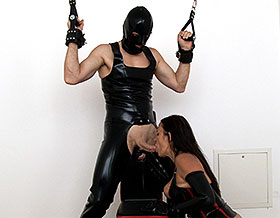 Mistress gives blowjob-Picture2