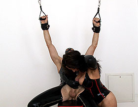 Mistress gives blowjob-Picture3