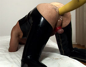 Anal fisting in long latex gloves-Picture3