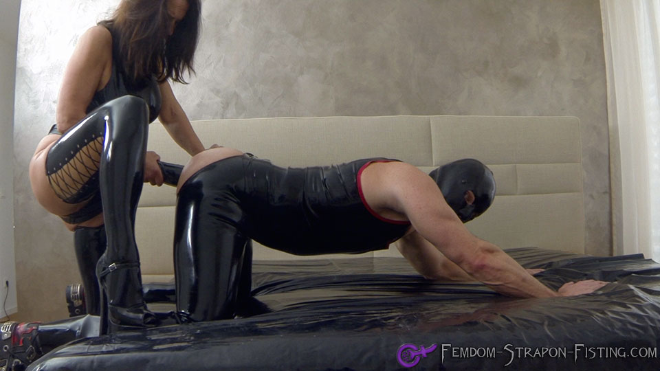 Extreme brutal anal fisting after her ass